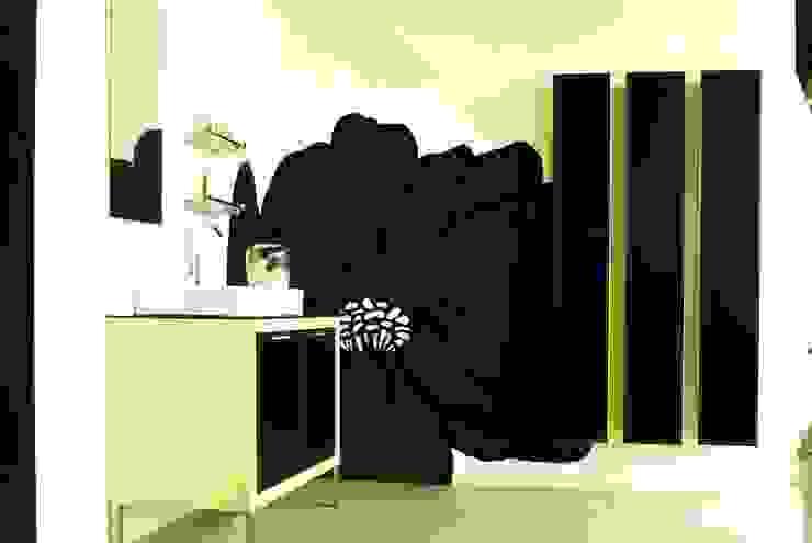 Murales Divinos Modern bathroom