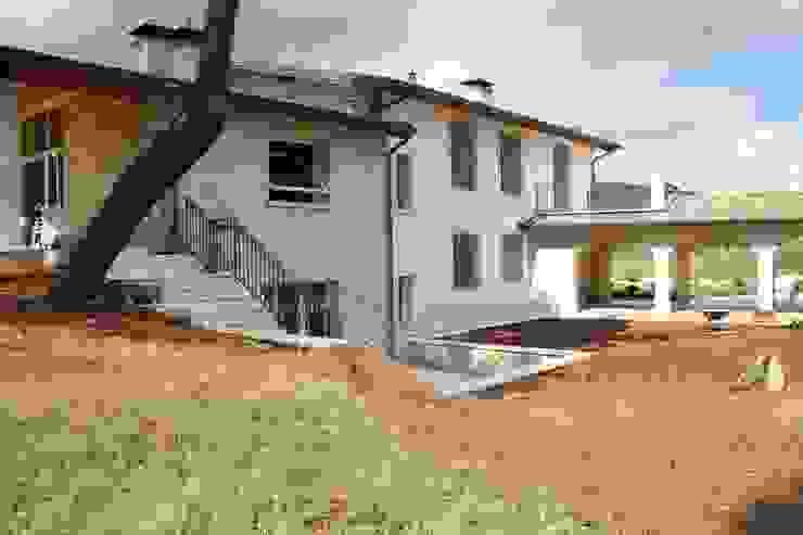 Studio Ing. Elisa Zubani Casas de estilo clásico