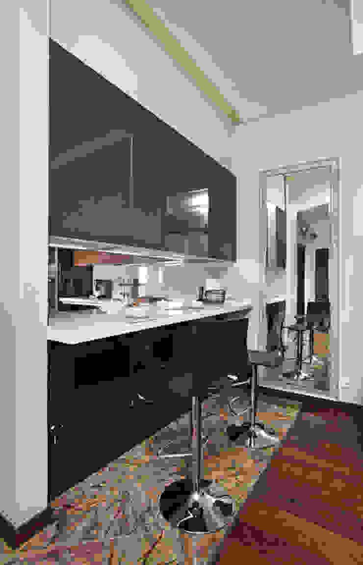 Квартира в Москве Гостиные в эклектичном стиле от Дизайн-студия Екатерины Поповой Эклектичный