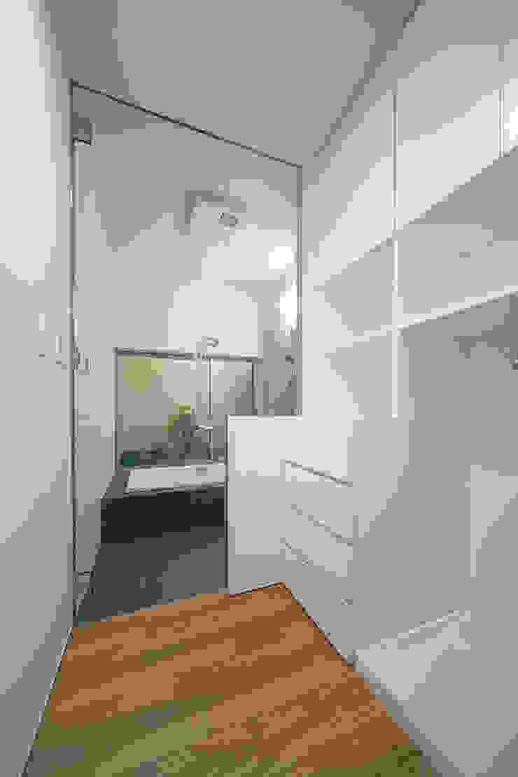 ISDアーキテクト一級建築士事務所 Modern Bathroom Glass White