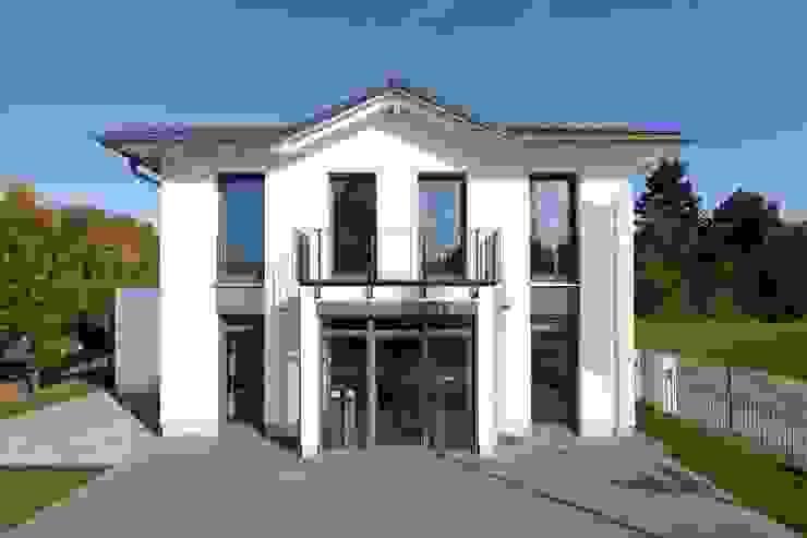 Projekty,  Domy zaprojektowane przez Heinz von Heiden GmbH Massivhäuser,