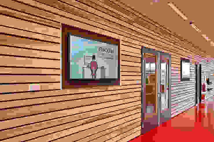 Massief houten systemen Moderne kantoorgebouwen van Derako International B.V. Modern
