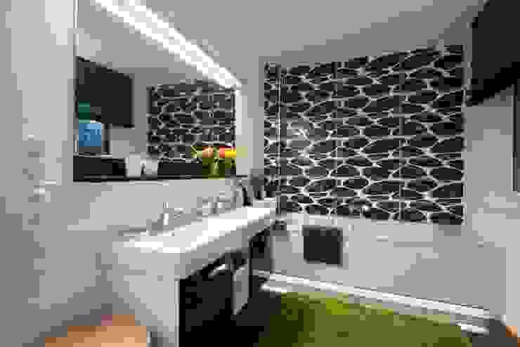 Projekty,  Łazienka zaprojektowane przez Heinz von Heiden GmbH Massivhäuser,