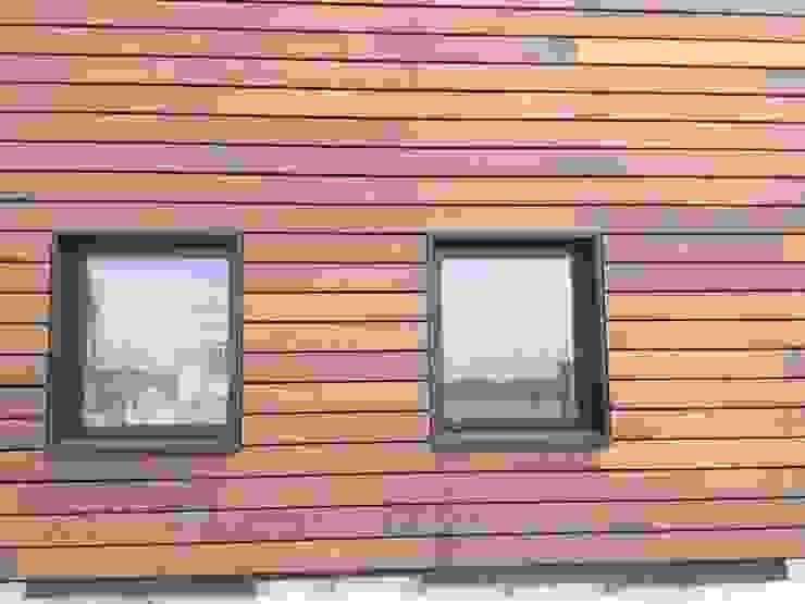 Massief houten facade van Bamboe Scandinavische kantoorgebouwen van Derako International B.V. Scandinavisch