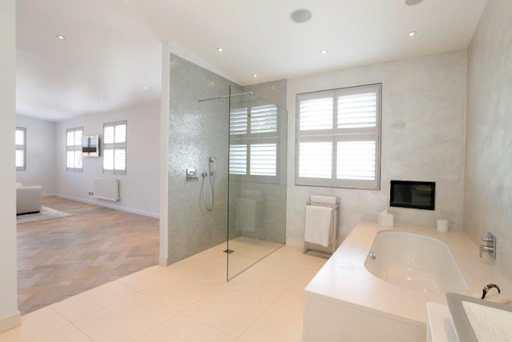 Wandsworth London, Detached House Refurbishment and Design Baños clásicos de Urban Cape Interiors Clásico