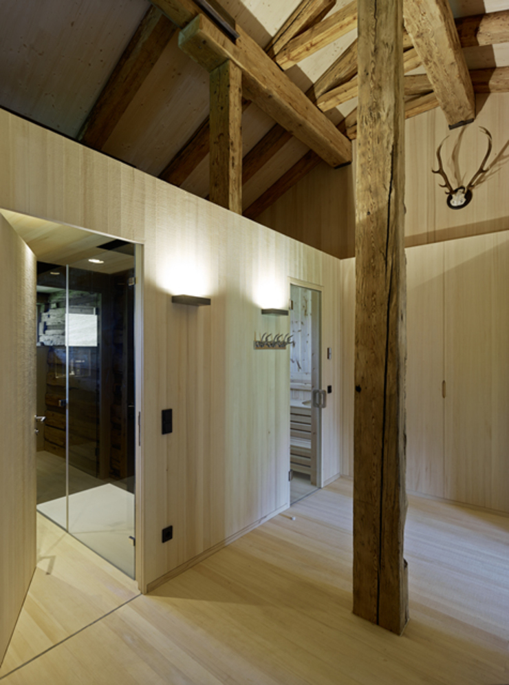 Country style corridor, hallway & stairs by HAMMERER Architekten GmbH/SIA Country