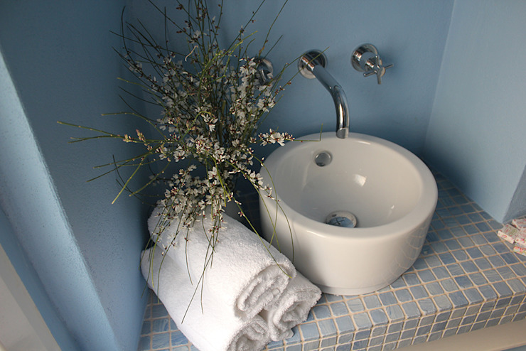 Mediterranean style bathrooms by INARCHlab Mediterranean