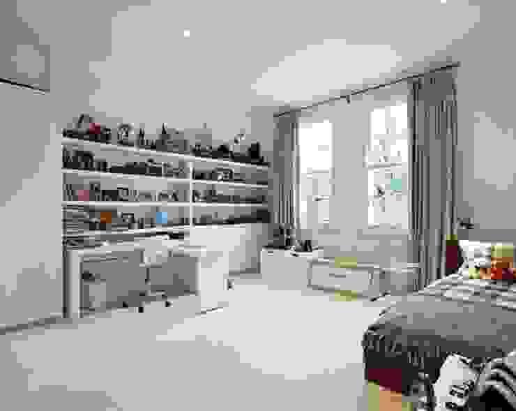 Suburban Family Home - Ealing Broadway, London Classic style windows & doors by Hugo Carter - SILENT WINDOWS Classic