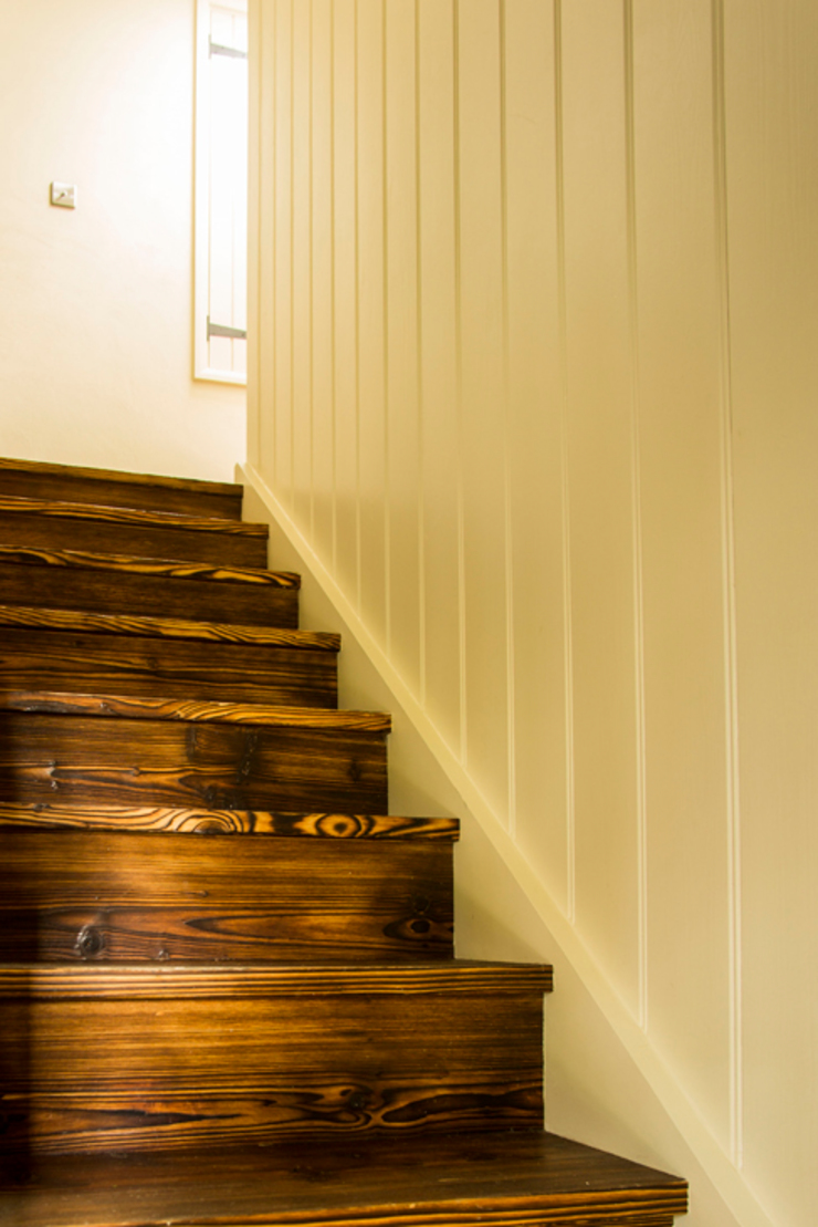 Fig Tree Cottage Rustic style corridor, hallway & stairs by CCD Architects Rustic