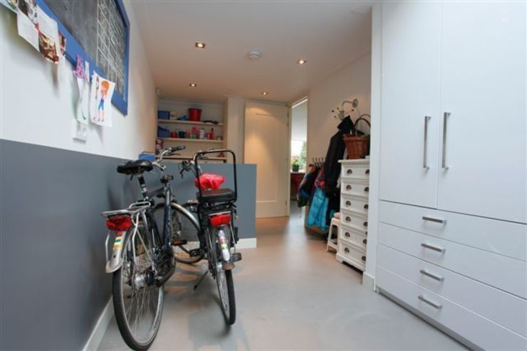 Garage/shed by Motion Gietvloeren