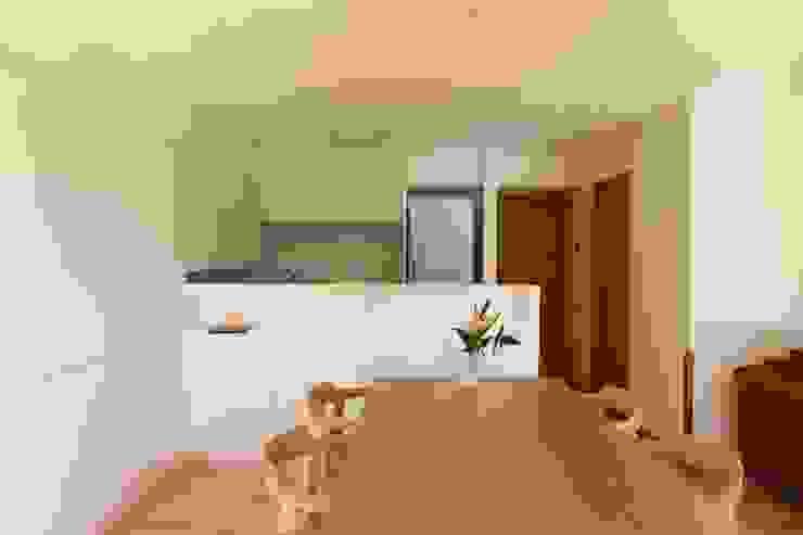 足利のリノベーション ダイニング キッチン モダンな キッチン の 鈴木隆之建築設計事務所 モダン