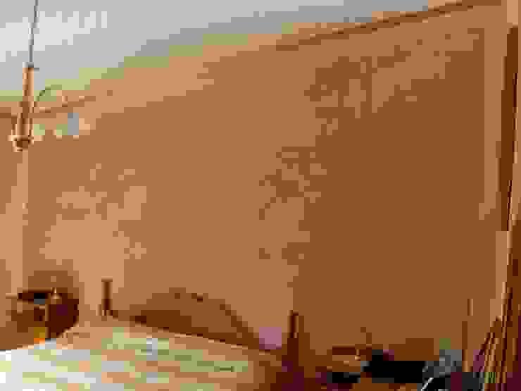 Testa del letto Stucco a Cera Rosa Antico Arte & Decorazioni di Marco Sinibaldi Camera da letto in stile classico
