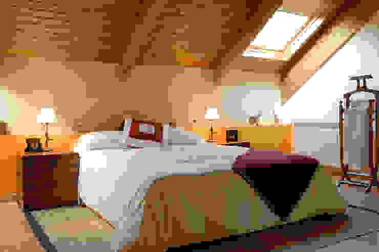 Chambre minimaliste par living spaces arquitectura Minimaliste
