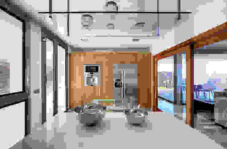 Vista interior 02: Cocinas de estilo  de CORREA + ESTEVEZ ARQUITECTURA, Moderno