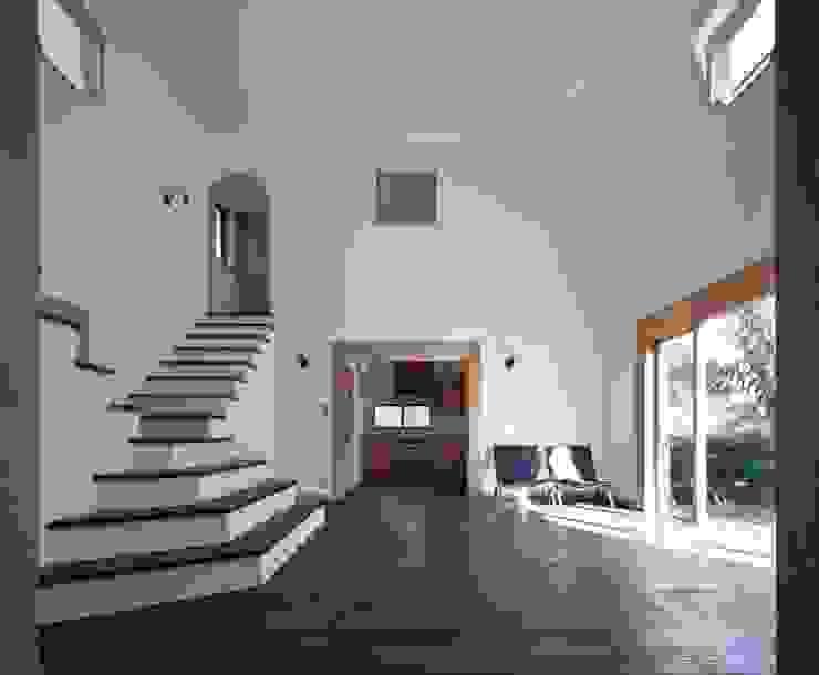 舞踏家の家 オリジナルデザインの リビング の 松井建築研究所 オリジナル