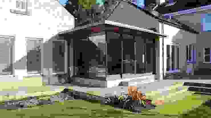 Overall View Minimalist houses by Wildblood Macdonald Minimalist