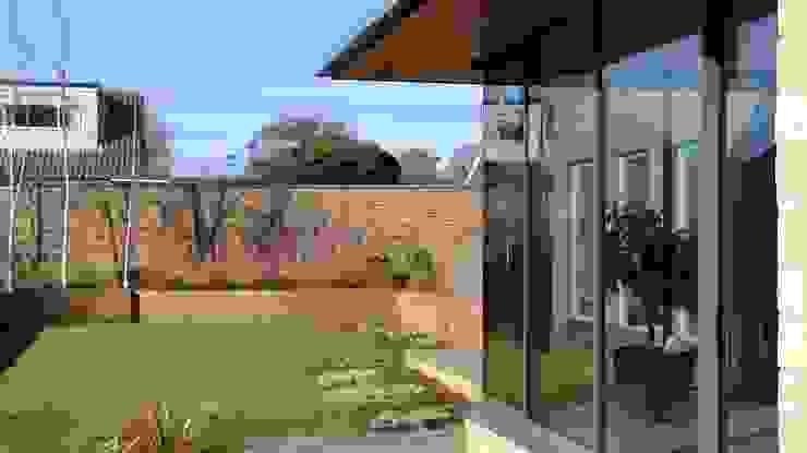 Exterior Profile Minimalist houses by Wildblood Macdonald Minimalist