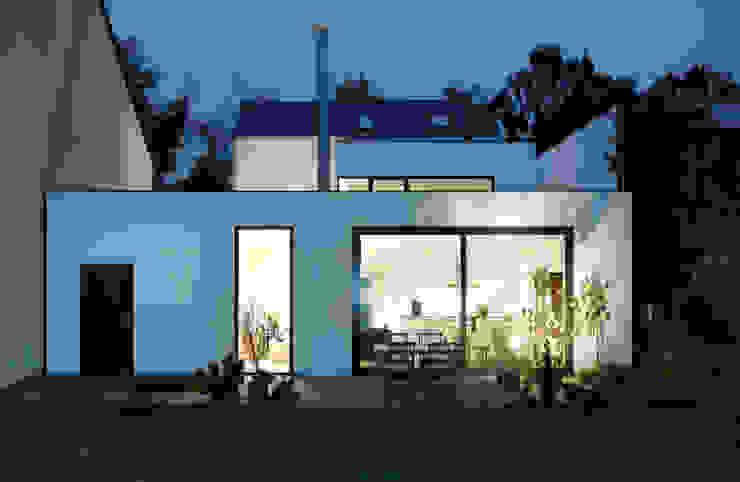 Nowoczesne domy od Corneille Uedingslohmann Architekten Nowoczesny