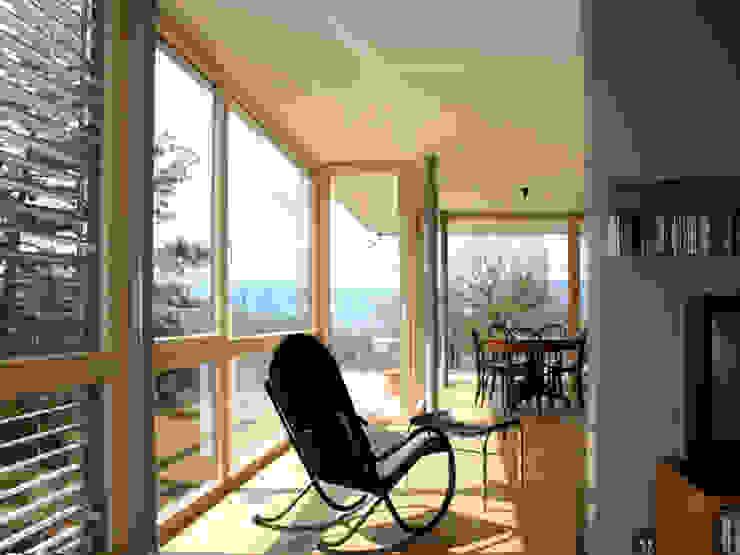 eidenbenz.architekt Modern Living Room