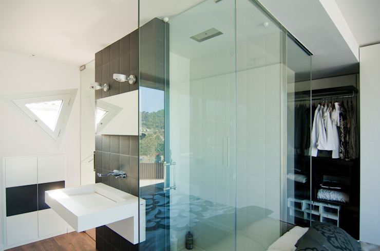 Casas de banho minimalistas por eidée arquitectes S.L.P. Minimalista