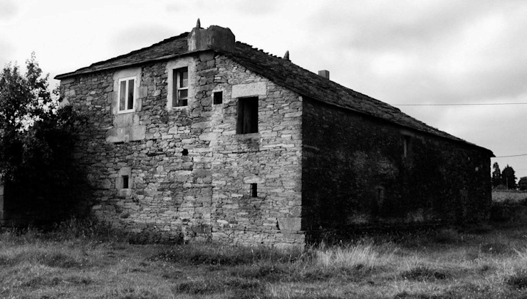 von Intra Arquitectos Landhaus
