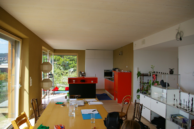 Nhà bếp theo Architekturbüro Reinberg ZT GmbH,