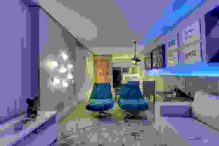 Modern living room by Guido Iluminação e Design Modern