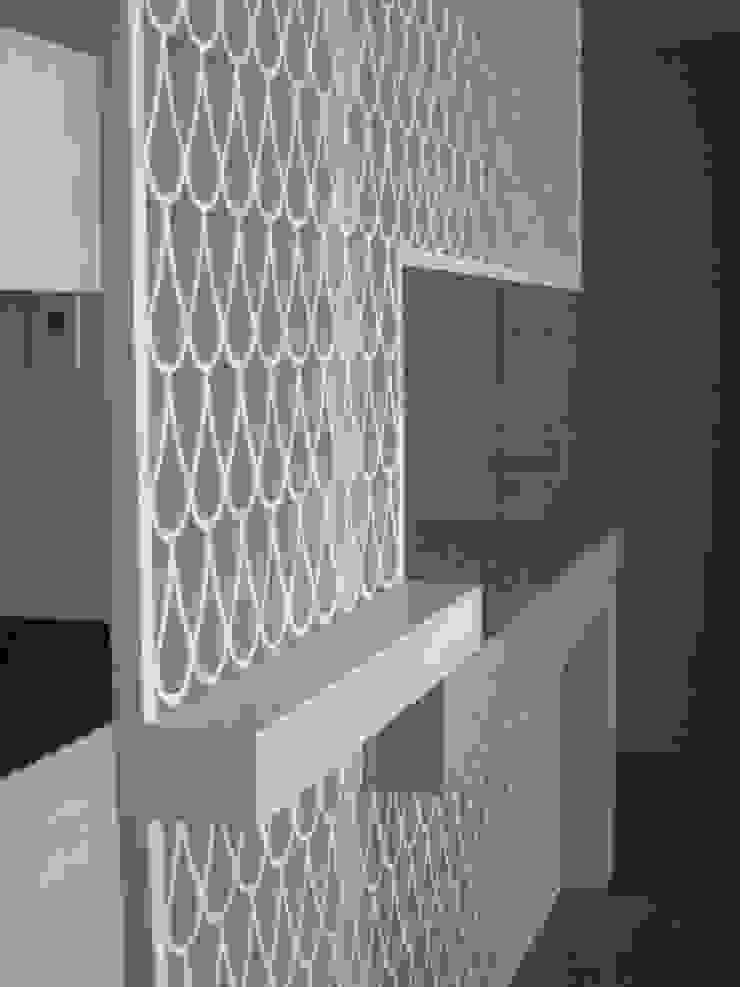 Torre Zafiro Cocinas minimalistas de Relieves Minimalista Tablero DM