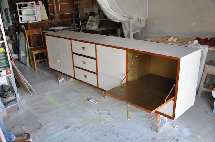 IronBug Lady Dining roomDressers & sideboards