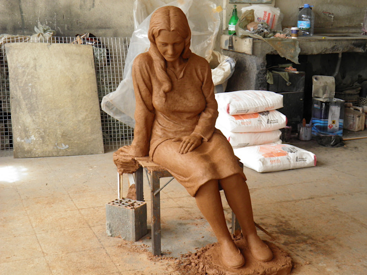 Çamur Sanat  – Ana kız heykeli: minimalist tarz , Minimalist