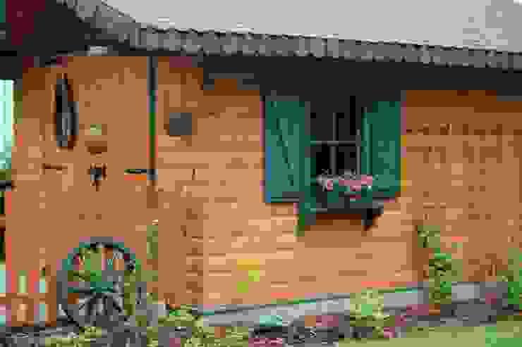 OGRÓD NATURALISTYCZNY z miejscem na OGNISKO od Ogrodowa Sceneria Rustykalny