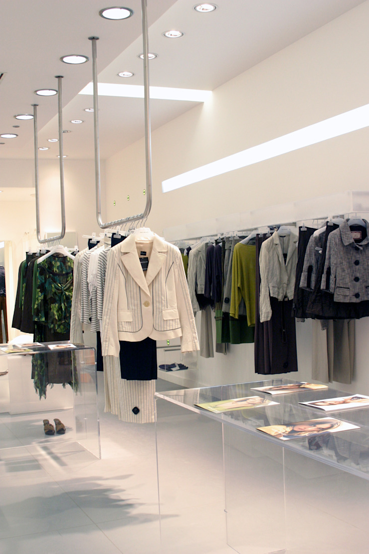 Comercial Espacios comerciales de estilo moderno de Karell Studio Moderno