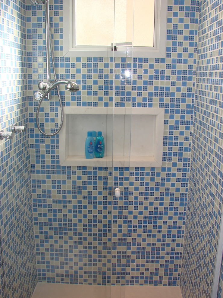 Suíte do Bebê Banheiros modernos por Adriana Fiali e Rose Corsini - FICODesign Moderno