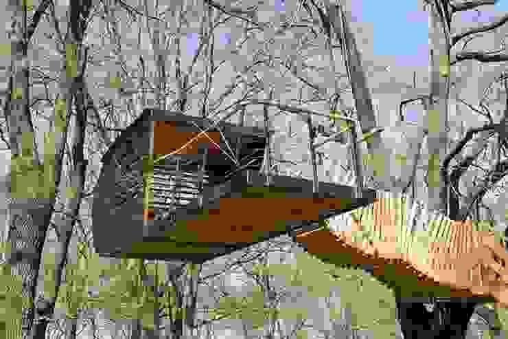 Luftschlösser Baumhausprojekte _ Luftschloss im Volkspark Potsdam Ausgefallene Häuser von Luftschlösser Ausgefallen