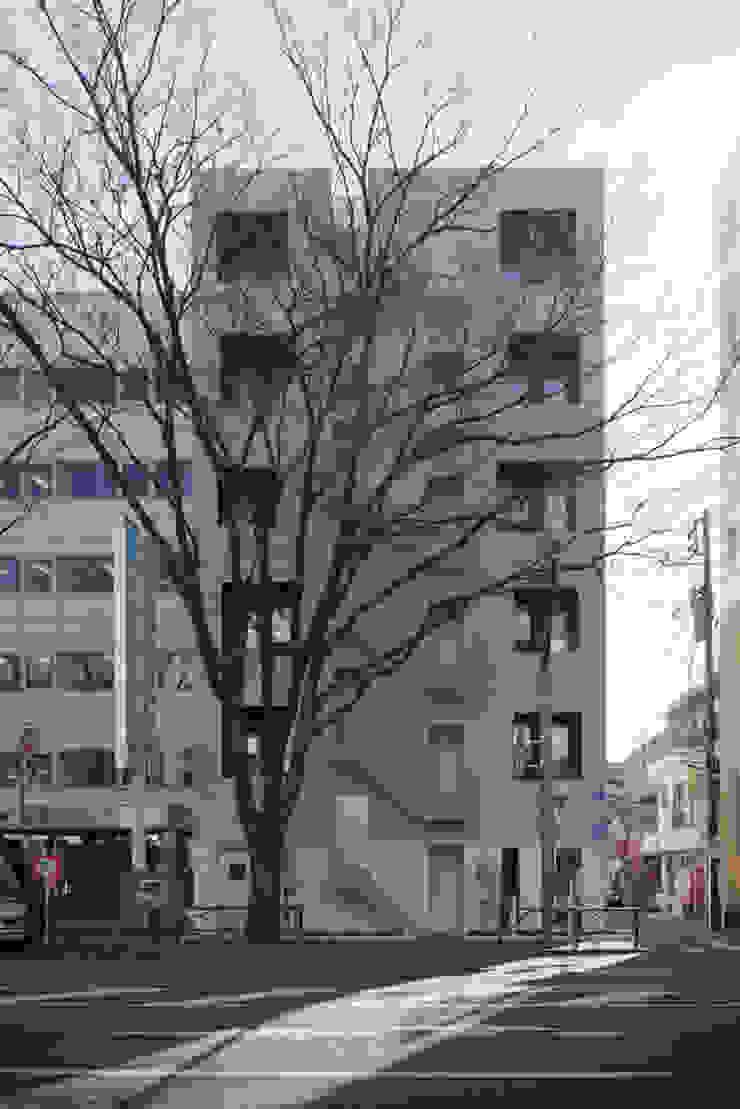 Casas de estilo moderno de トレス建築事務所 Moderno