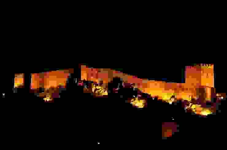 Recuperação do Castelo de Celorico da Beira 1 Casas rústicas por ARKIVO Rústico