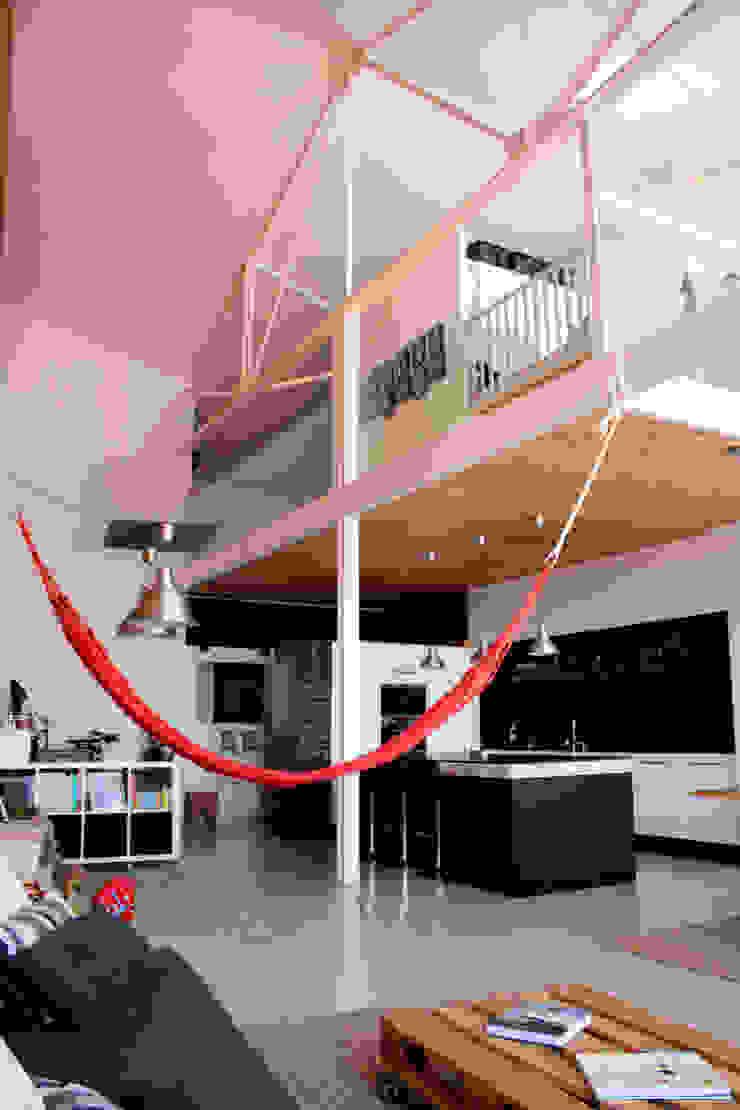 perspectiva altura Salones de estilo industrial de SMMARQUITECTURA Industrial