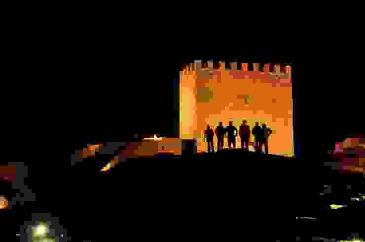 Recuperação do Castelo de Celorico da Beira 2 Casas rústicas por ARKIVO Rústico