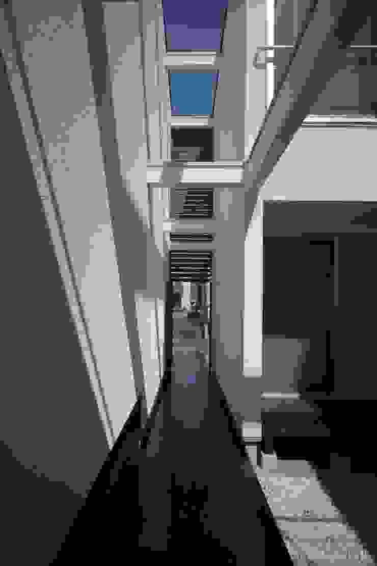 南足柄の家 モダンな 家 の 天工舎一級建築士事務所 モダン