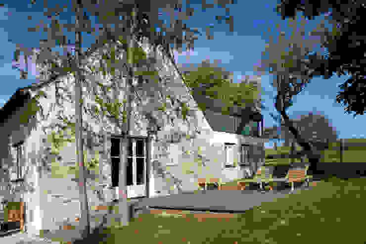 Casas de campo de estilo  por gaupenraub+/-, Rural