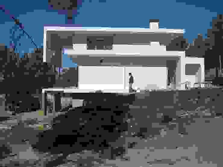 Fazenda da Esperança - Portugal 1 Casas modernas por ARKIVO Moderno