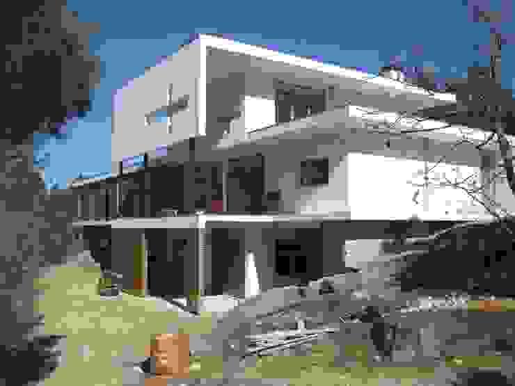 Fazenda da Esperança - Portugal 2 Casas modernas por ARKIVO Moderno