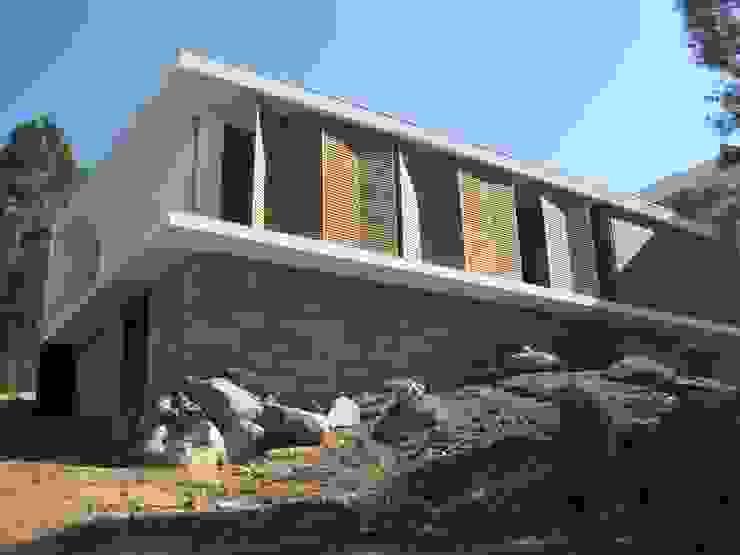 Fazenda da Esperança - Portugal 6 Casas modernas por ARKIVO Moderno