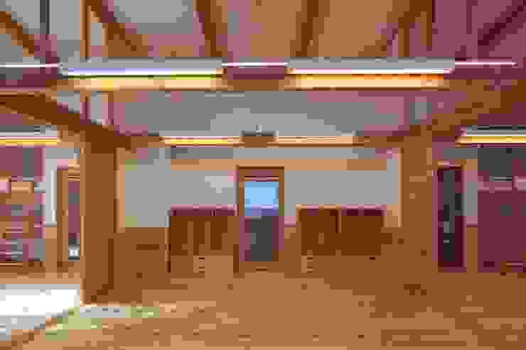 こどもきらきら園3,4,5歳児室その2 オリジナルな学校 の MK design studio オリジナル
