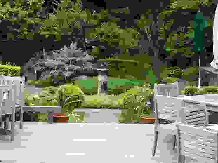 Jardines de estilo ecléctico de NICO株式会社 Ecléctico