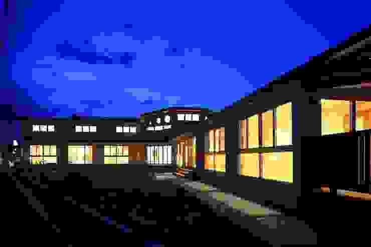 こどもきらきら園外観夜景 オリジナルな学校 の MK design studio オリジナル