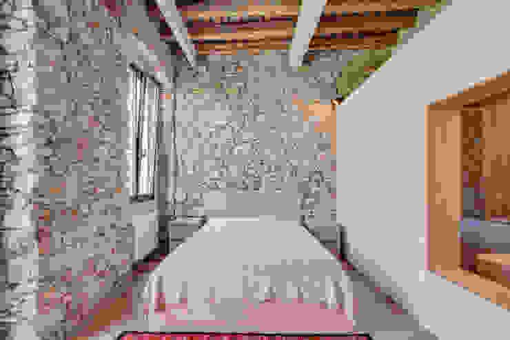 Quartos mediterrânicos por Lara Pujol | Interiorismo & Proyectos de diseño Mediterrânico