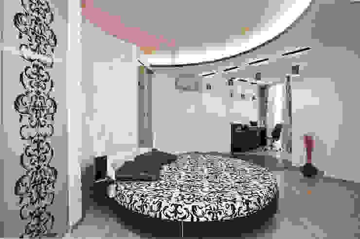 """Дизайн квартиры """"Интерьер для молодой семьи"""" Спальня в стиле минимализм от Samarina projects Минимализм"""