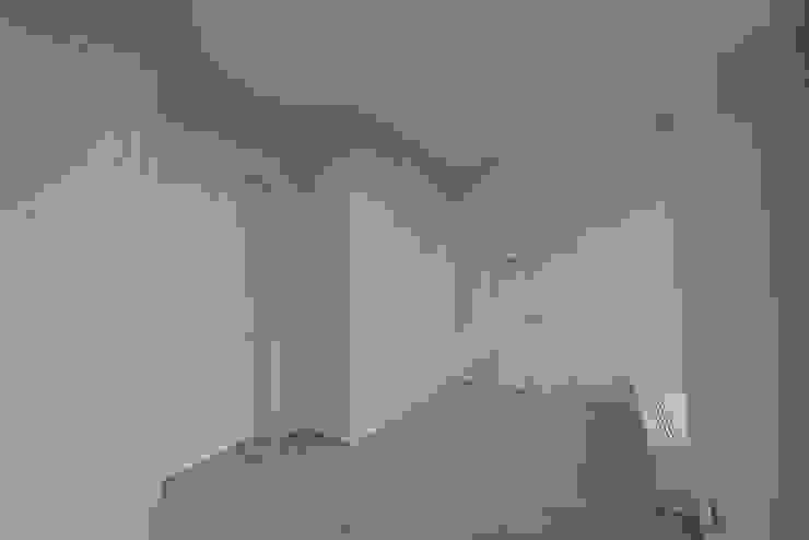 Дом №1 Гардеробная в стиле минимализм от Elena Zazulina Минимализм