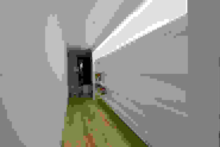 Дом №1 Медиа комната в стиле минимализм от Elena Zazulina Минимализм